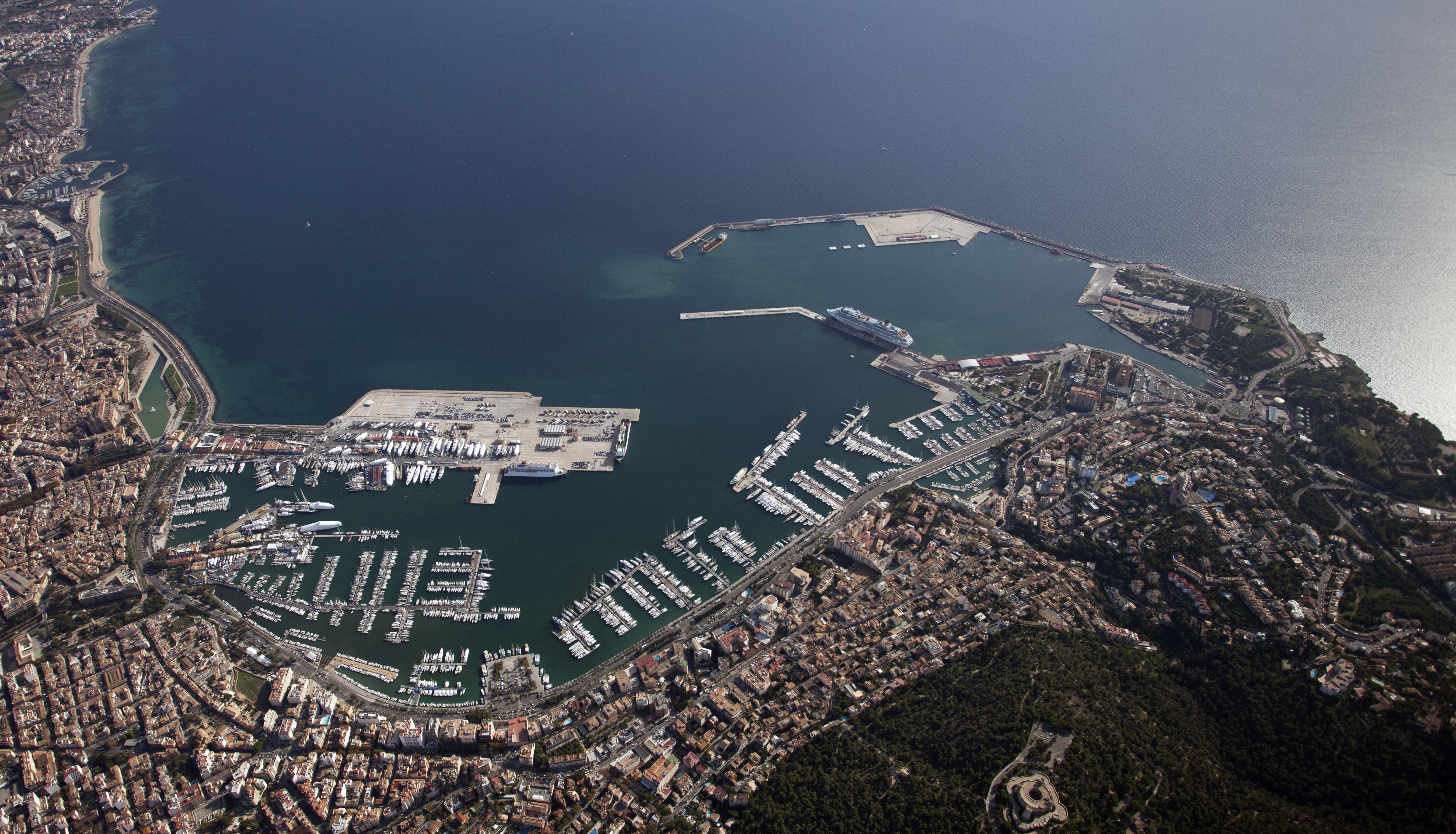 Vista aérea del puerto de Palma
