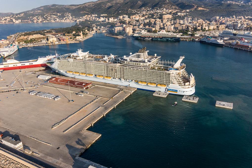 Palma se prepara para acoger a los cruceros m s grandes del mundo como puerto base ports de - Puerto de palma de mallorca ...