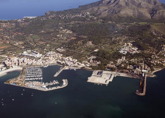 Vista aérea del puerto de Alcúdia