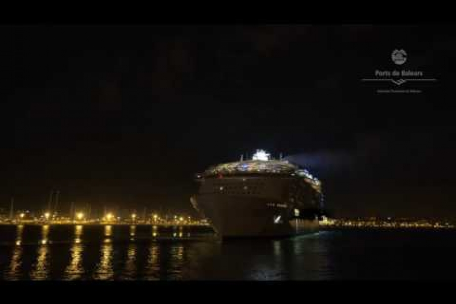 Salida de noche del Harmony of the Seas