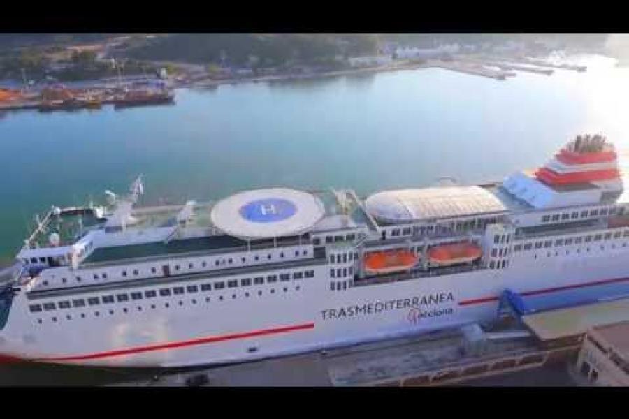 Cruceros en el puerto de Maó